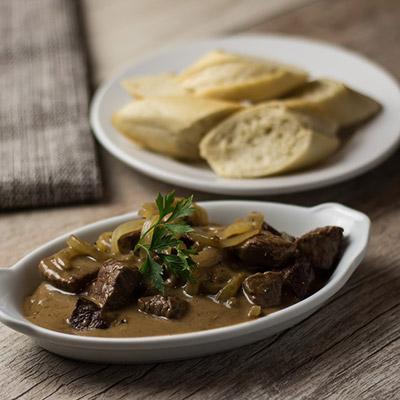 Meat with Onion Gravy (220g*)
